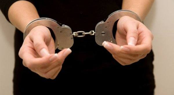 Жительница Инкермана угрожала ножом полицейскому. Получила тюремный срок