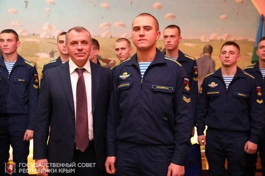 Владимир Константинов в Рязани встретился с курсантами-крымчанами