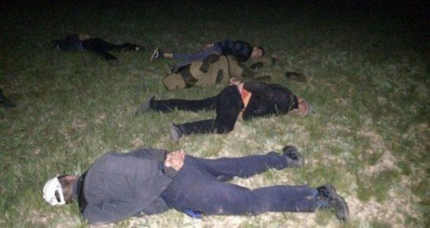 В Крыму задержали банду, воровавшую песок с военного аэродрома в районе Багерово
