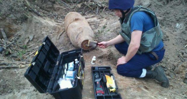 Почти 100 бомб, мин и снарядов времен Великой Отечественной обезвредили в Крыму пиротехники МЧС