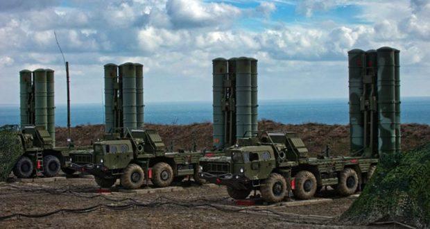 В Крым прибыли два дивизиона зенитных ракетных систем С-400