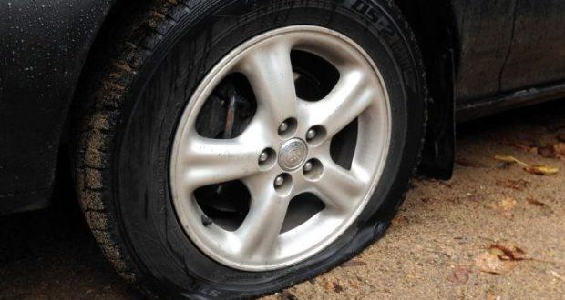 """В Ялте режут колёса машин. Полиция призывает жителей региона """"быть бдительными"""""""