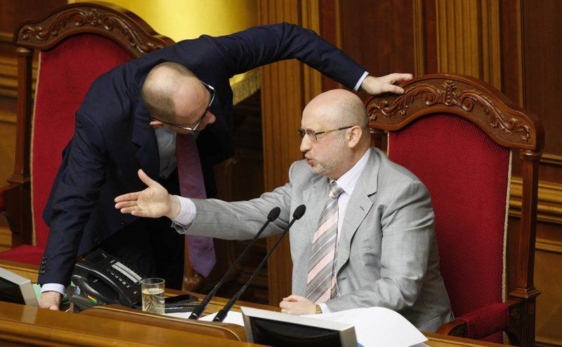 В 2014-м в Крыму должна была пролиться кровь. Откровения Яценюка