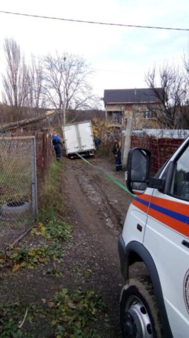 «КРЫМ-СПАС» в субботу дважды помогал автомобилистам