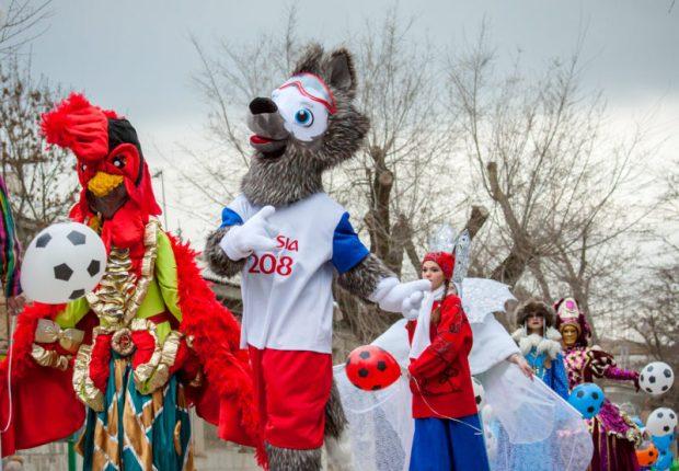 Лучший Дед Мороз Крыма живёт в Нижнегорском районе, а Снегурочка - в Евпатории!