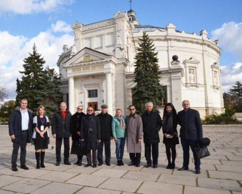 В гостях у севастопольского «Добровольца» побывала делегация из Лаоса