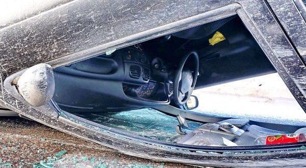 """ДТП в Крыму: 22 декабря. 90-летний водитель не справился с управлением и """"уложил"""" авто"""