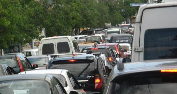 Проблему дорожных пробок в Севастополе будут решать за счет общественного транспорта