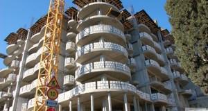 Проверка скандальной многоэтажки компании «Ялтаовощ»