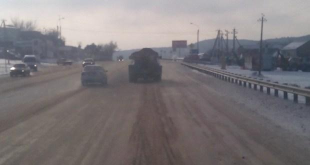 Второй день снежной зимы в Симферополе. Коммунальщики перешли в контрнаступление