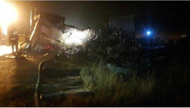 ДТП на трассе Феодосия-Керчь: столкнулись два большегруза и легковушка. Семеро погибших
