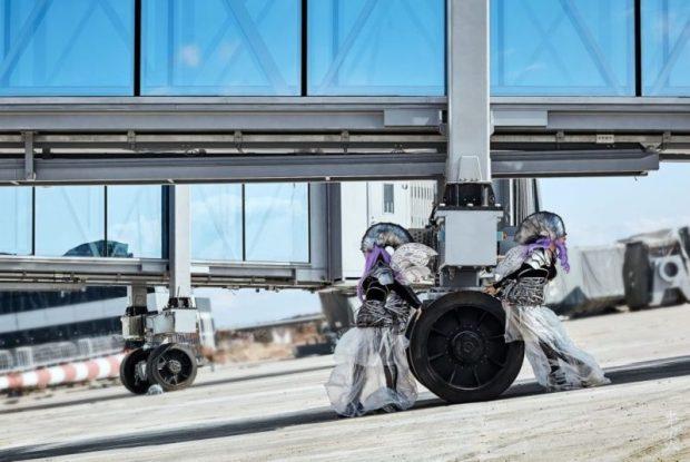 Косплееры Крыма оценили космический облик нового терминала аэропорта Симферополя