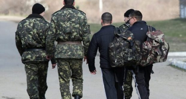 Сами из Крыма и сбежали. На Украине никак не могут примириться с осознанием очевидного