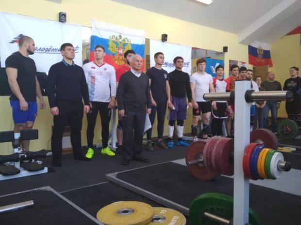 """Акция ОНФ """"Неделя спорта"""" в Крыму - старт поддержали тяжелоатлеты"""