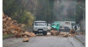 В Гурзуфе произошёл камнепад