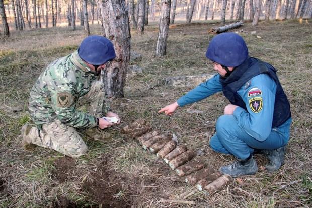 Под Севастополем обнаружили крупный склад боеприпасов
