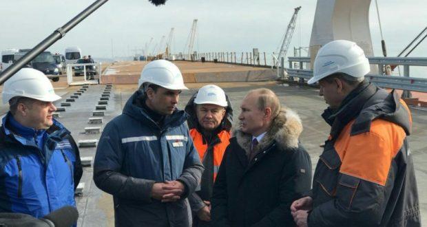 Путин намекнул на открытие Крымского моста в мае