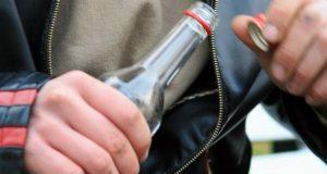В Коктебеле мужчина украл шесть бутылок водки - мучила жажда