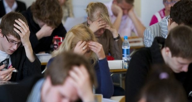 Почти 10 тысяч учеников крымских школ проверили свои знания по истории