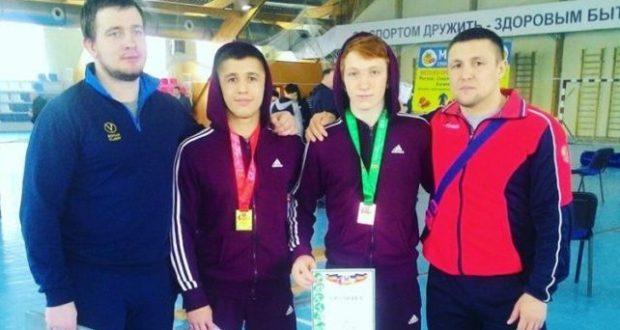 Сборная Крыма завоевала шесть медалей на юниорском первенстве ЮФО по греко-римской борьбе