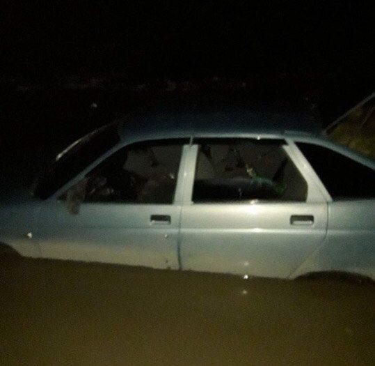 В Симферопольском водохранилище утонул ВАЗ