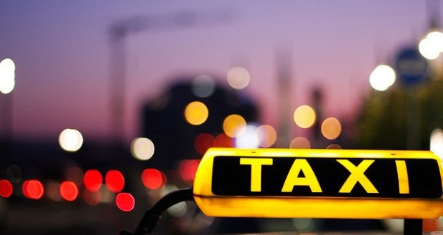 """В Красноперекопском районе двое местных жителей """"наехали"""" на таксистов - вымогали деньги"""