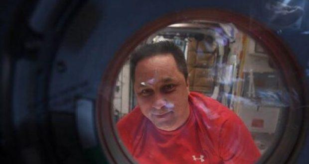 Севастопольский космонавт Антон Шкаплеров передал фотопривет Симферополю и Сакам