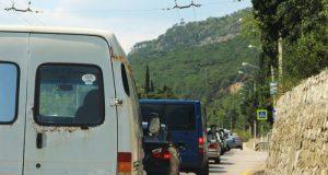 Крымские власти задумались о том, как туристы будут объезжать неизбежные пробки на дорогах