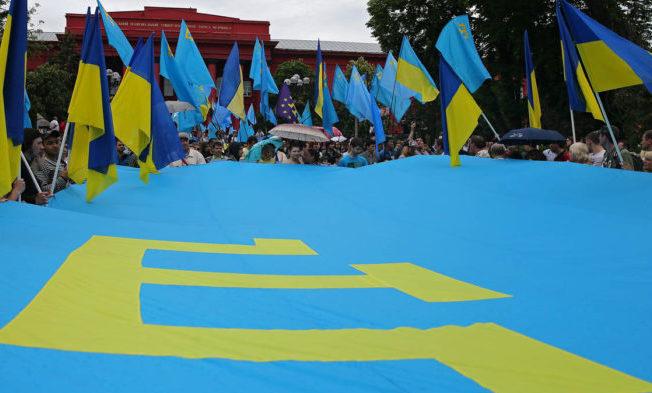 Крымские татары, живущие на Украине, рвутся в Крым