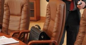 Глава Крыма уволил двух чиновников Совмина в связи с утратой доверия