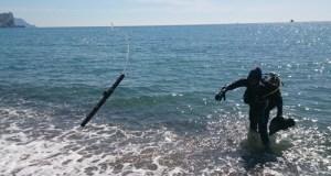 Водолазы «КРЫМ-СПАС» продолжают обследование крымских пляжей
