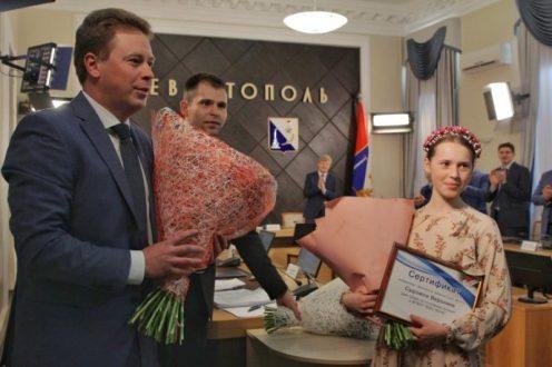 В Севастополе чествовали финалистку музыкального конкурса «Голос. Дети» Веронику Сыромля