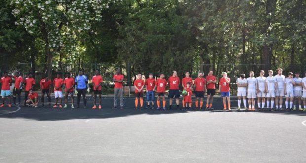В Симферополе представители религиозных организаций... играли в мини-футбол