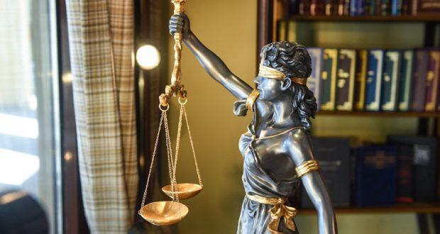 Губернатор Севастополя снова хочет судиться со спикером местного Заксобрания