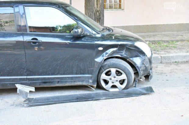 В Симферополе подростки на BMW повредили за несколько секунд три иномарки… и сбежали