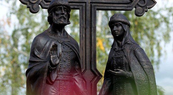 В Симферополе откроют памятник святым благоверным князю Петру и княгине Февронии