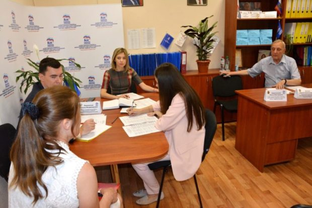 Наталья Поклонская провела личный прием граждан в Красногвардейском районе и Евпатории