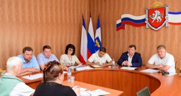 Глава администрации Симферополя Игорь Лукашев провёл приём граждан
