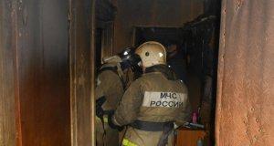 Вечерний пожар в крымском поселке Октябрьское. Эвакуировано 48 человек