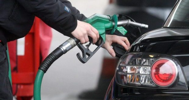 Глава РК Сергей Аксёнов считает: поставлять топливо в Крым должна одна компания