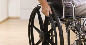 Инвалид-колясочник требует обеспечить доступность севастопольского парка имени Ахматовой
