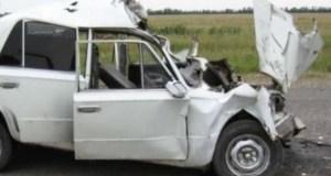 ДТП в курортной Оленевке. Как в анекдоте, ВАЗ против BMW X5. Но не смешно, есть пострадавший
