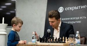 В Международный день шахмат в «Артеке» - чемпион мира по блиц-шахматам Сергей Карякин