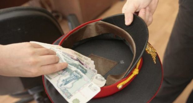 В Алуште будут судить участковых-взяточников