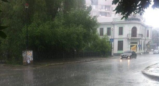 Прогноз погоды в Крыму на 18 июля: синоптики обещают дожди, а то и град