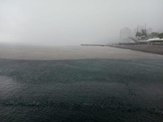 На Южном берегу Крыма бушует непогода
