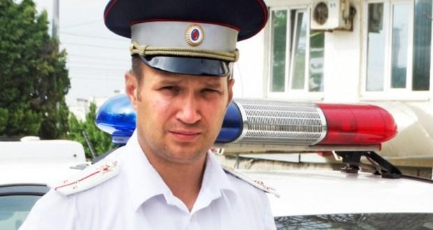 В Севастополе инспектор ДПС предотвратил аварию, остановив на ходу неуправляемый автобус
