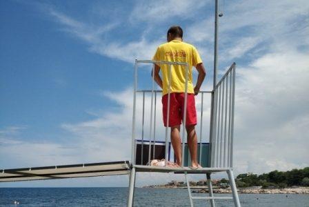 Инспекторы ГИМС в Севастополе проверили пляжи Солдатский и Аквамарин. Нашли нарушения