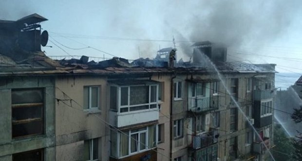 В пгт. Кореиз горела крыша многоэтажки