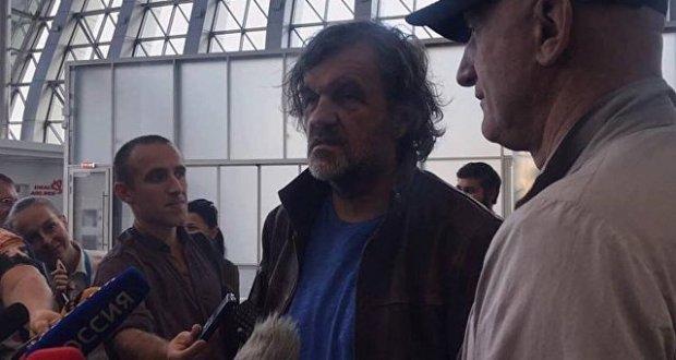 Эмир Кустурица прилетел в Крым. Вечером – концерт в Ялте